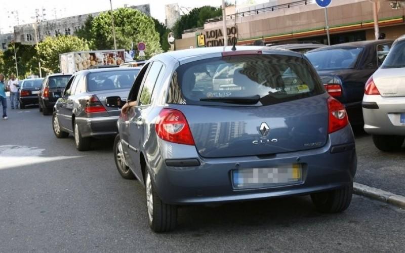 Novas matrículas de carros podem deixar de ter indicação de mês e ano