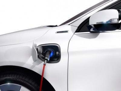 Conheça as diferenças entre um carro Elétrico, Plug-In e Hibrido