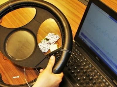 Investigadores de Aveiro criam capa de volante que deteta fadiga de condutores